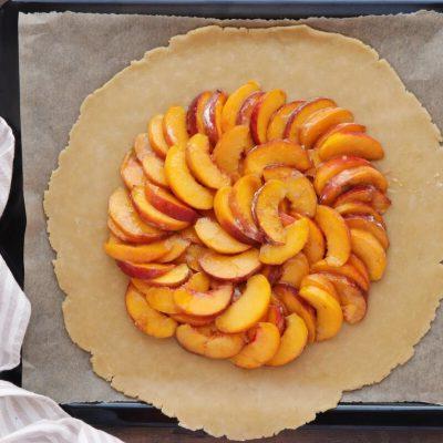 Fresh Peach Crostata recipe - step 5