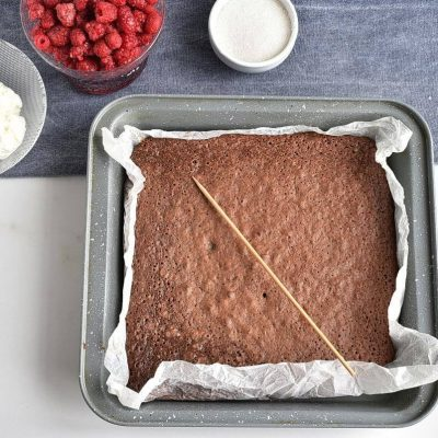 Raspberry Brownie Cheesecake Trifles recipe - step 3