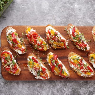 Bruschetta with Roasted Peppers & Goat Cheese recipe - step 5