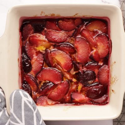 Roasted Plum Breakfast Parfaits recipe - step 2