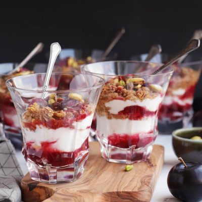 Roasted Plum Breakfast Parfaits Recipe-Roasted Plum Yogurt Parfait-Delicious Plum Parfaits