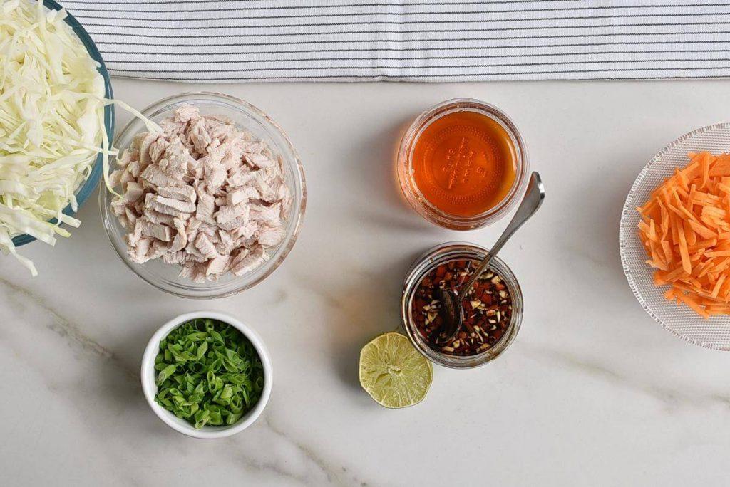 Thai Chicken Salad Wonton Cups recipe - step 4