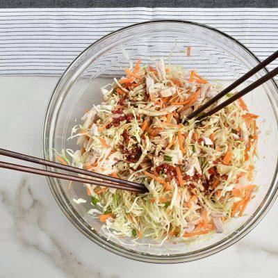 Thai Chicken Salad Wonton Cups recipe - step 5