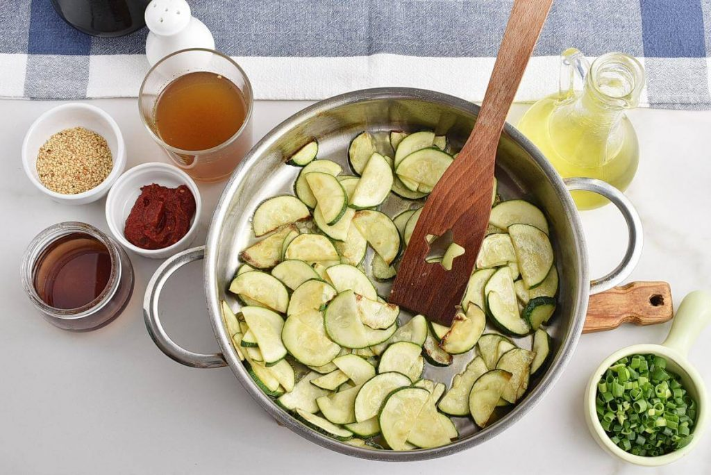 Thai Zucchini Noodles recipe - step 2