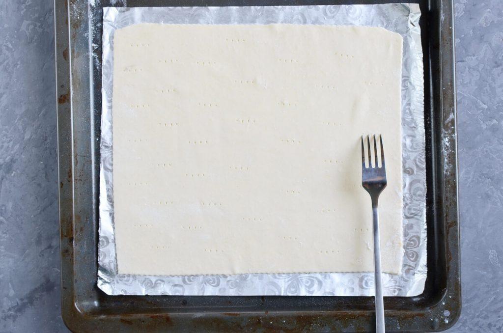 Tomato Tart with Three Cheeses recipe - step 1