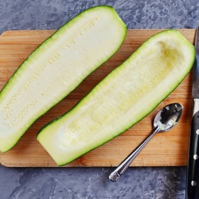 Low Carb White Pizza Stuffed Zucchini Boats recipe - step 2