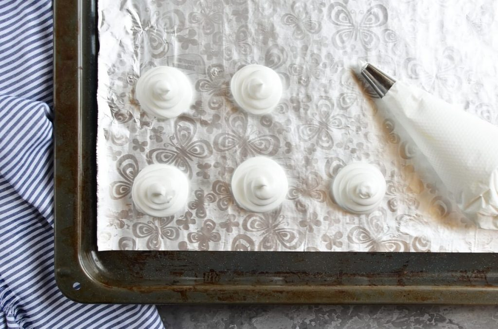 Almond Meringue Ghost Cookies recipe - step 5