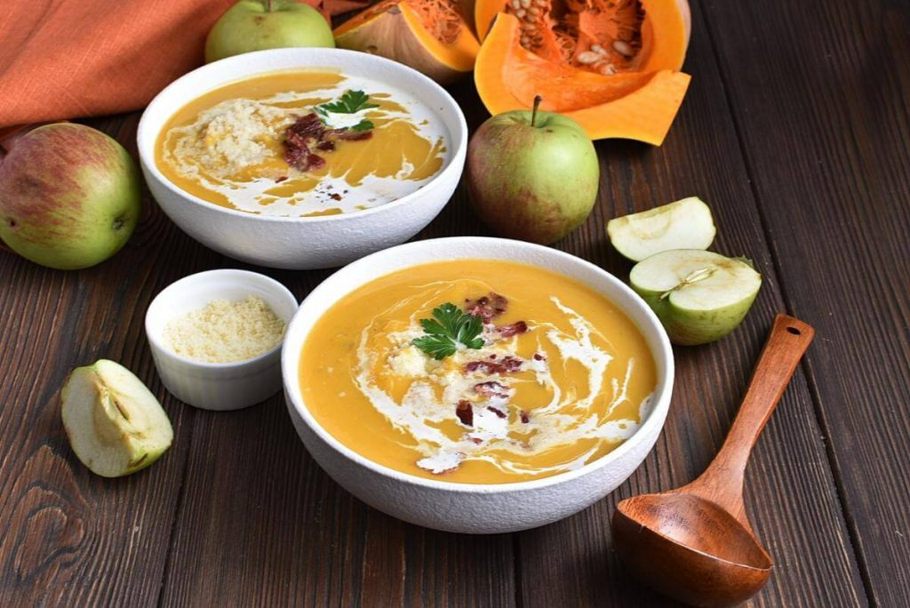 Creamy Butternut Squash Soup with Apple–Homemade Creamy Butternut Squash Soup with Apple–Easy Creamy Butternut Squash Soup with Apple