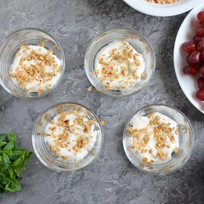 Grape Parfait recipe - step 1