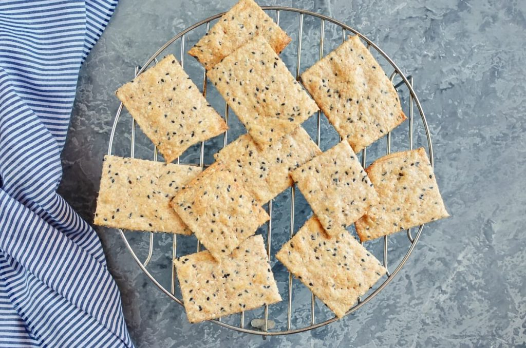 Homemade Whole Wheat Crackers recipe - step 7