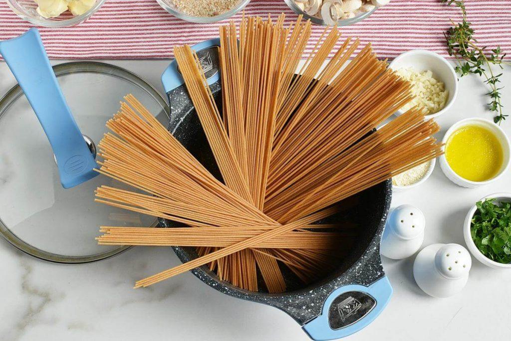 Mushroom and Thyme Butter Spelt Spaghetti recipe - step 1