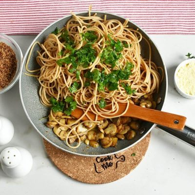 Mushroom and Thyme Butter Spelt Spaghetti recipe - step 6