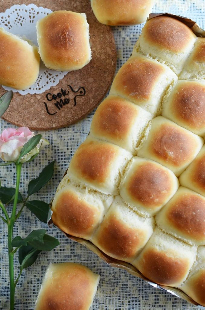 Delicious Thanksgiving dinner rolls