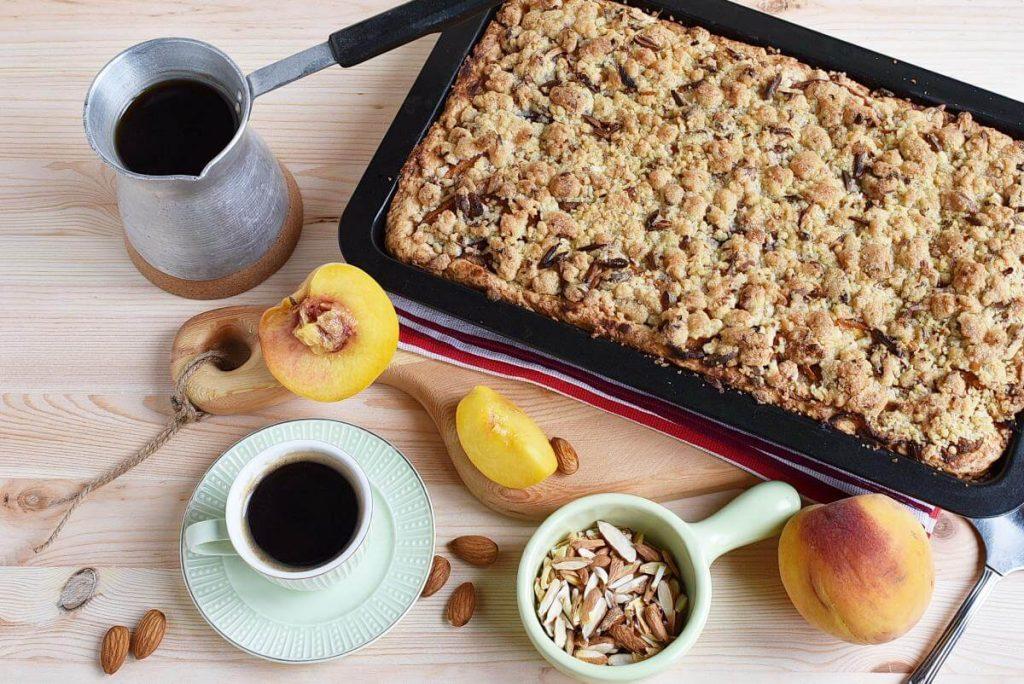 How to serve Peach Streusel Slab Pie