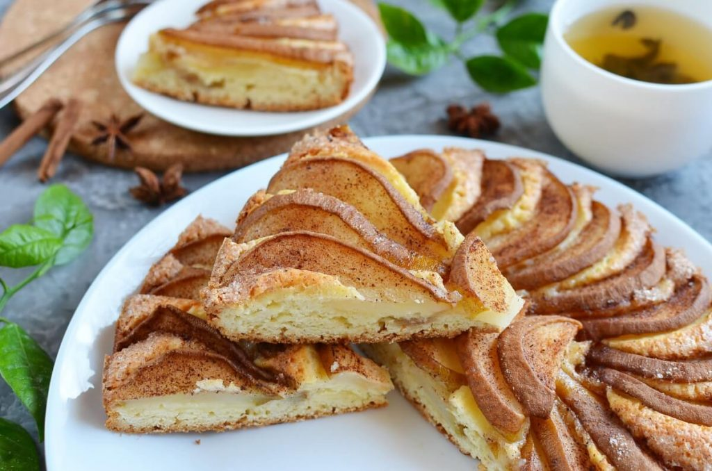 How to serve Pear Cake with Cinnamon Sugar