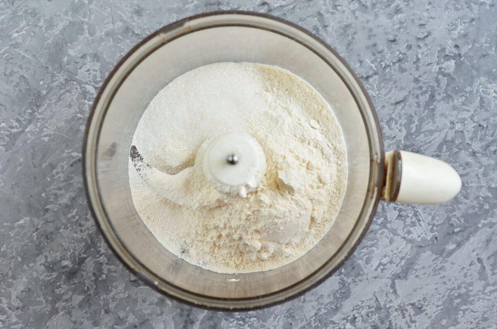 Pear Cake with Cinnamon Sugar recipe - step 2