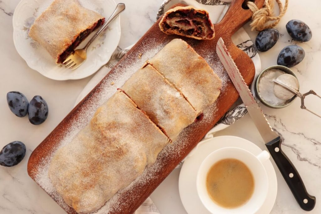 How to serve Plum Strudel with Cinnamon Streusel
