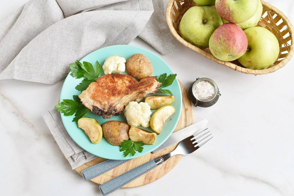 How to serve Pork Chops and Apples