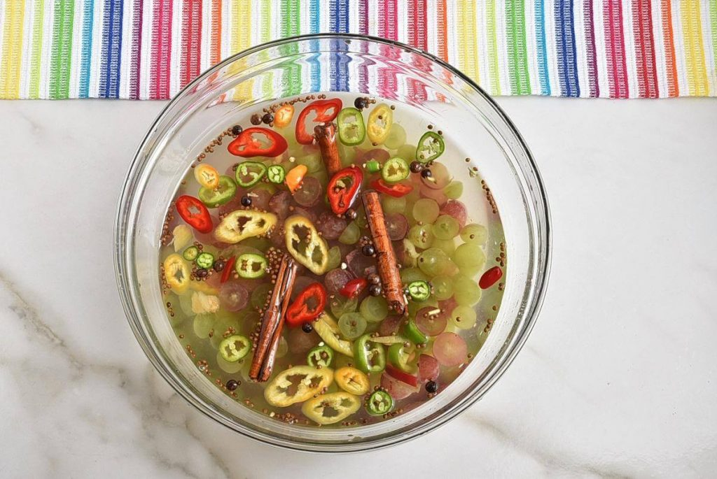Spicy Pickled Grapes recipe - step 2