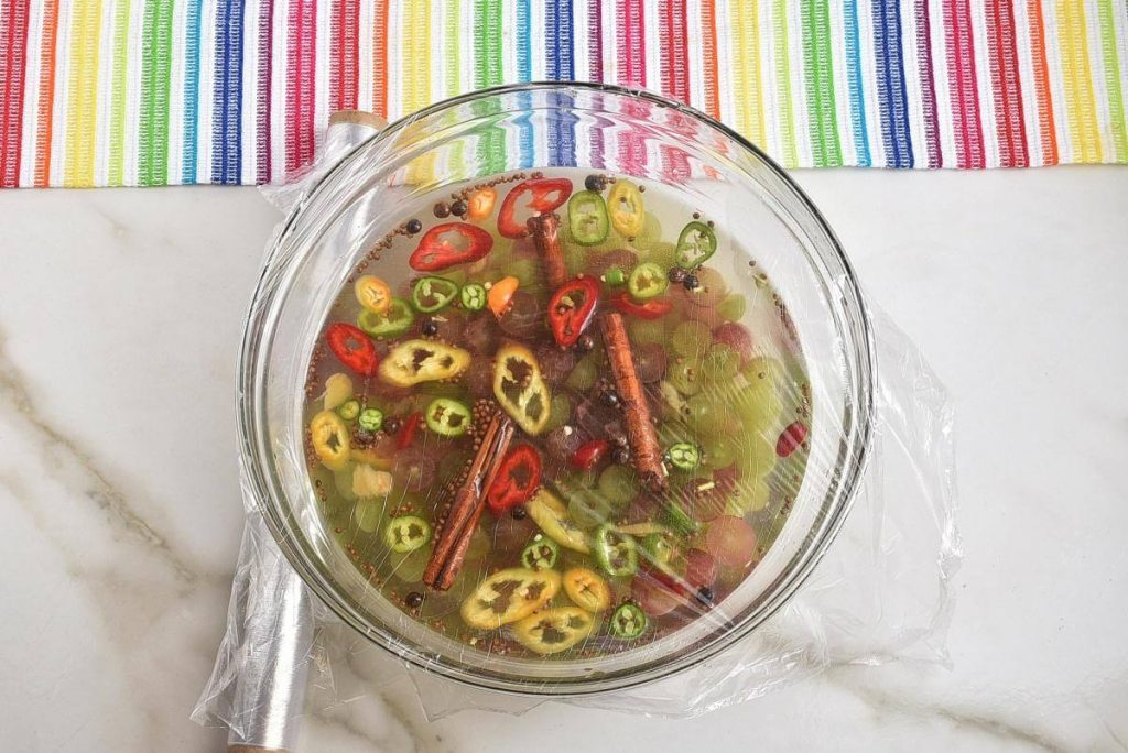 Spicy Pickled Grapes recipe - step 3