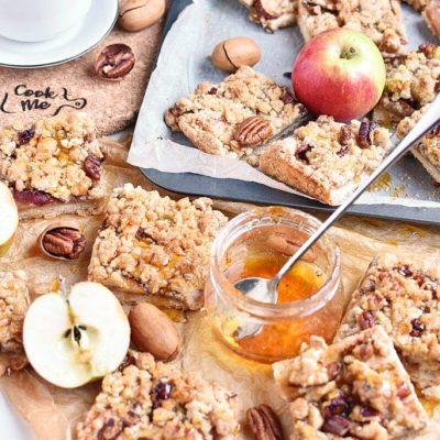How to serve Apple Pie Bars