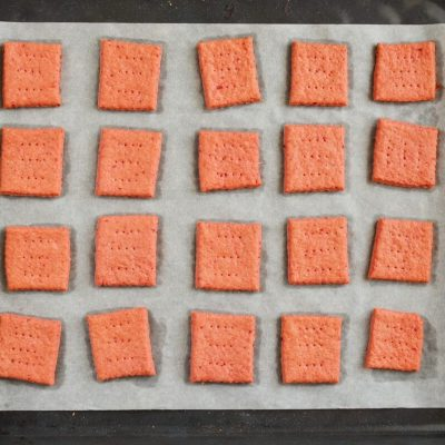 Beet and Cheddar Crackers recipe - step 10