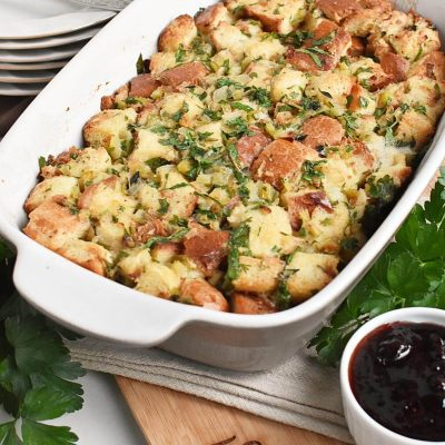 Classic Traditional Thanksgiving Stuffing Recipes–Homemade Classic Traditional Thanksgiving Stuffing–Easy Classic Traditional Thanksgiving Stuffing