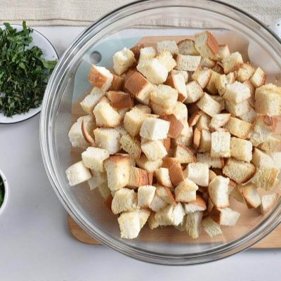 Classic Traditional Thanksgiving Stuffing recipe - step 2