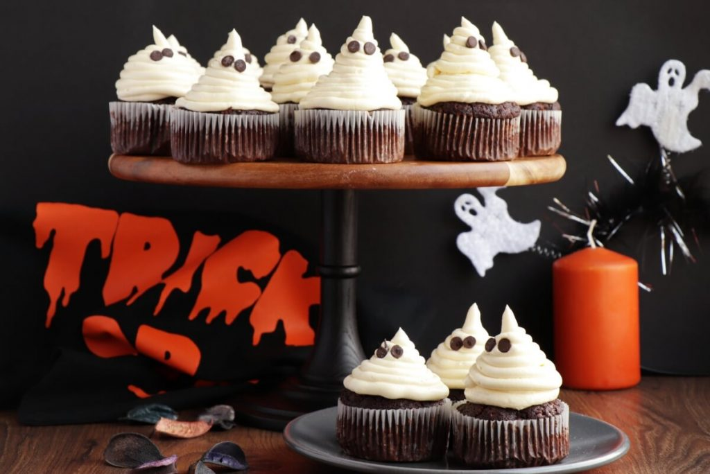 How to serve Easy Halloween Cupcakes