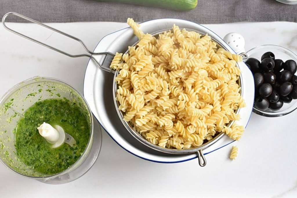 Frankenstein Pasta for Halloween recipe - step 2