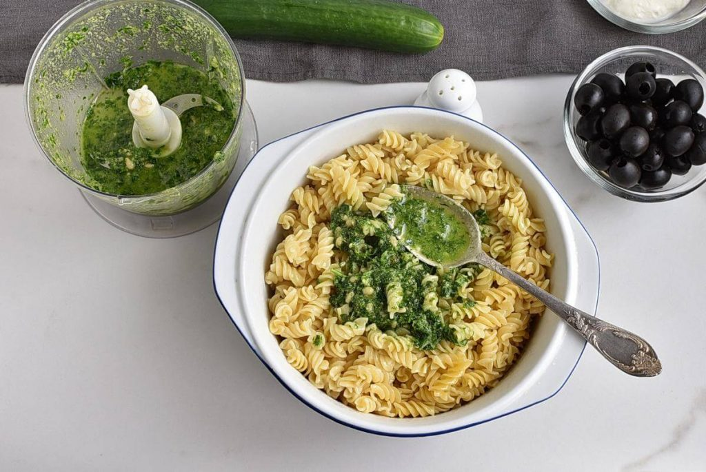 Frankenstein Pasta for Halloween recipe - step 3