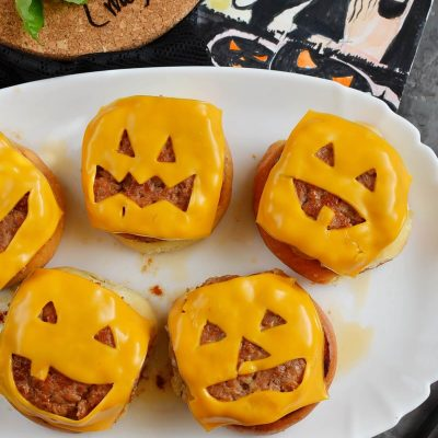 Frightfully Delicious Jack-o'-Lantern Cheeseburgers Recipe-How To Make Frightfully Delicious Jack-o'-Lantern Cheeseburgers-Delicious Frightfully Delicious Jack-o'-Lantern Cheeseburgers