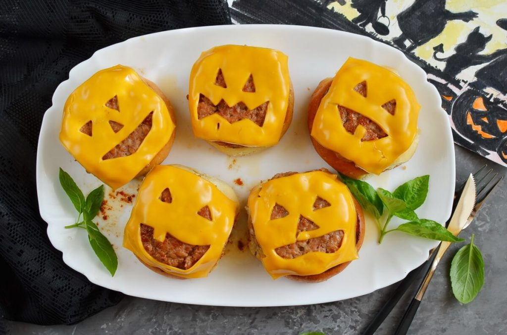 How to serve Frightfully Delicious Jack-o'-Lantern Cheeseburgers