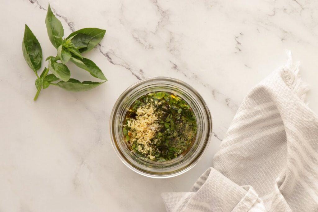 Green Bean Salad with Balsamic Basil Vinaigrette recipe - step 4