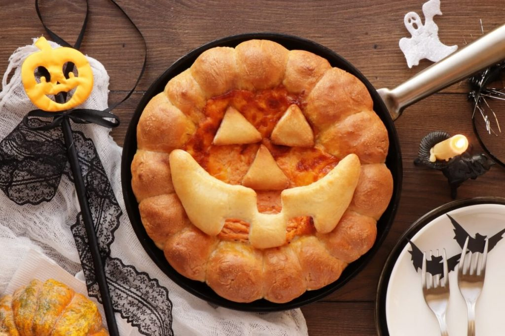 How to serve Halloween Buffalo Chicken Skillet Dip