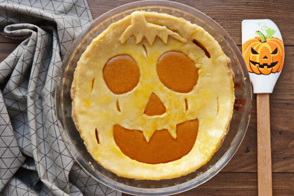 Pumpkin Cut-Out Pie recipe - step 10