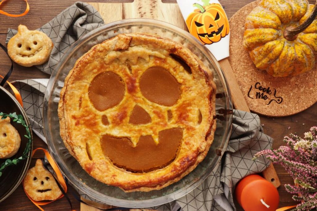Pumpkin Cut-Out Pie Recipe-Halloween Pumpkin Pie-Easy Homemade Halloween Pumpkin Pie