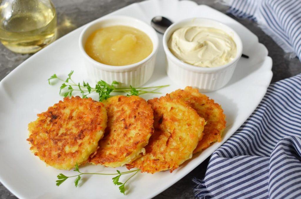 How to serve Quick Potato and Carrot Latkes