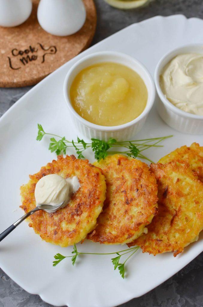 Quick Potato and Carrot Latkes