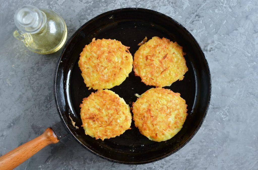 Quick Potato and Carrot Latkes recipe - step 6