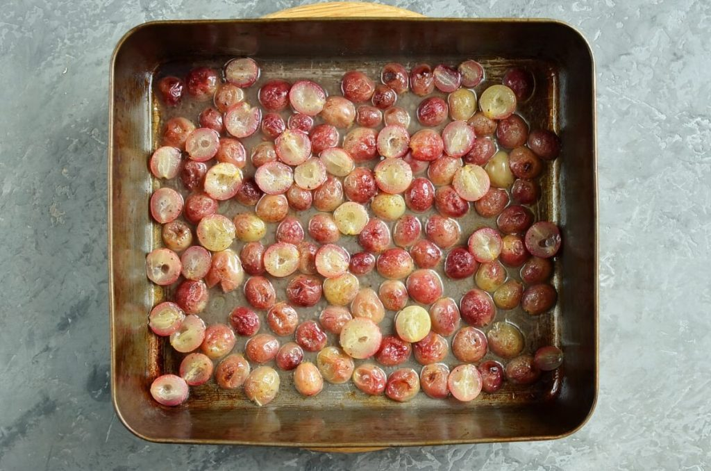 Roasted Grape Crostini recipe - step 3
