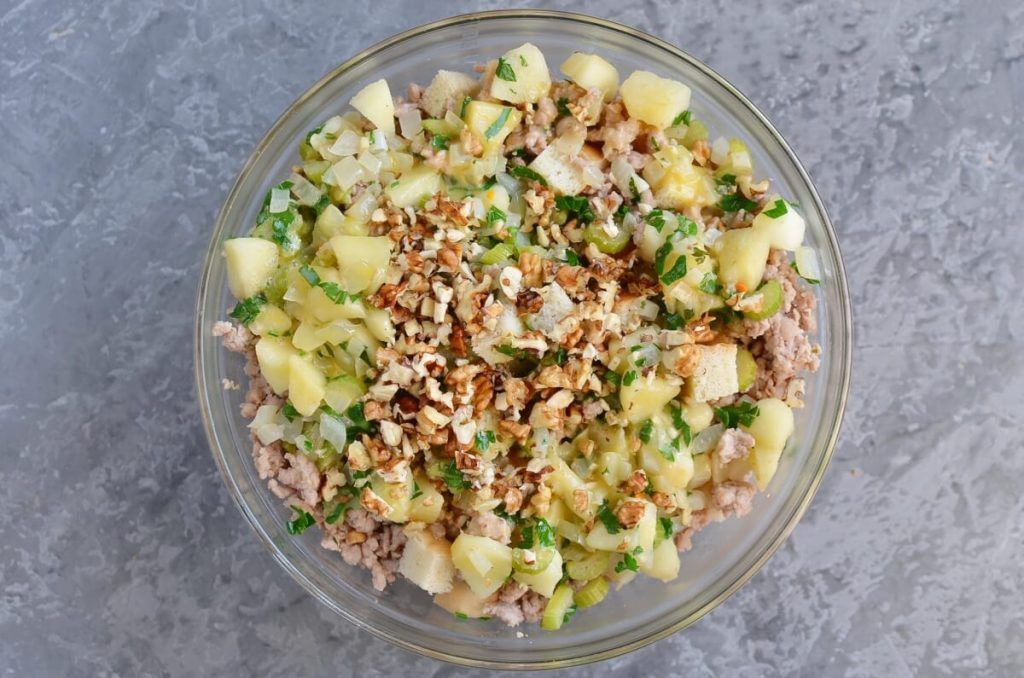 Sage, Sausage and Apple Dressing recipe - step 7