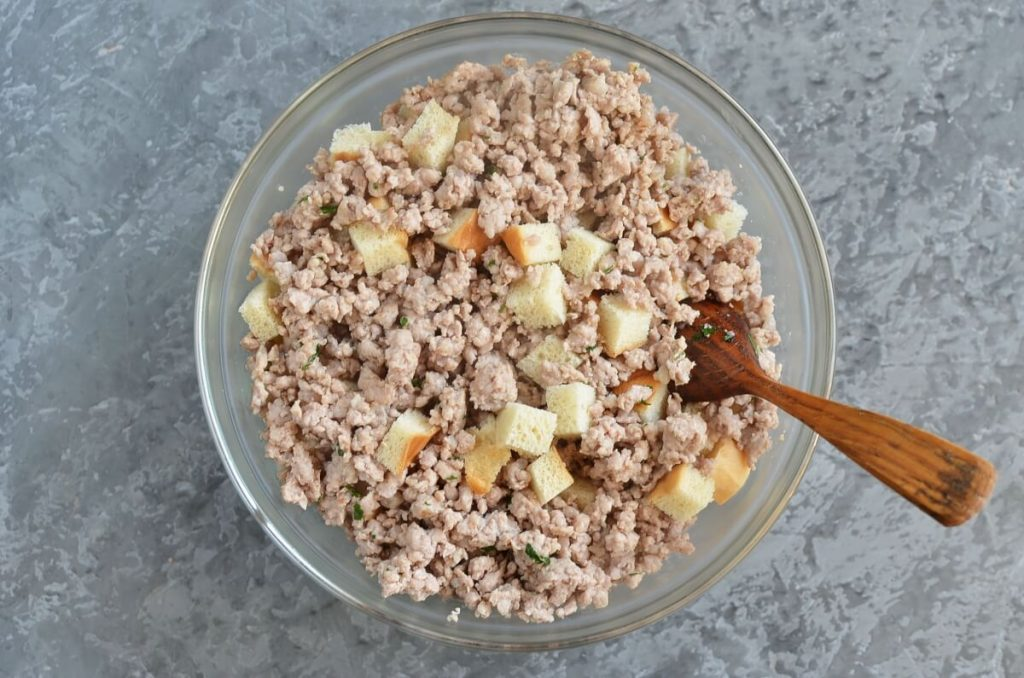 Sage, Sausage and Apple Dressing recipe - step 4