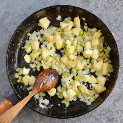 Sage, Sausage and Apple Dressing recipe - step 5