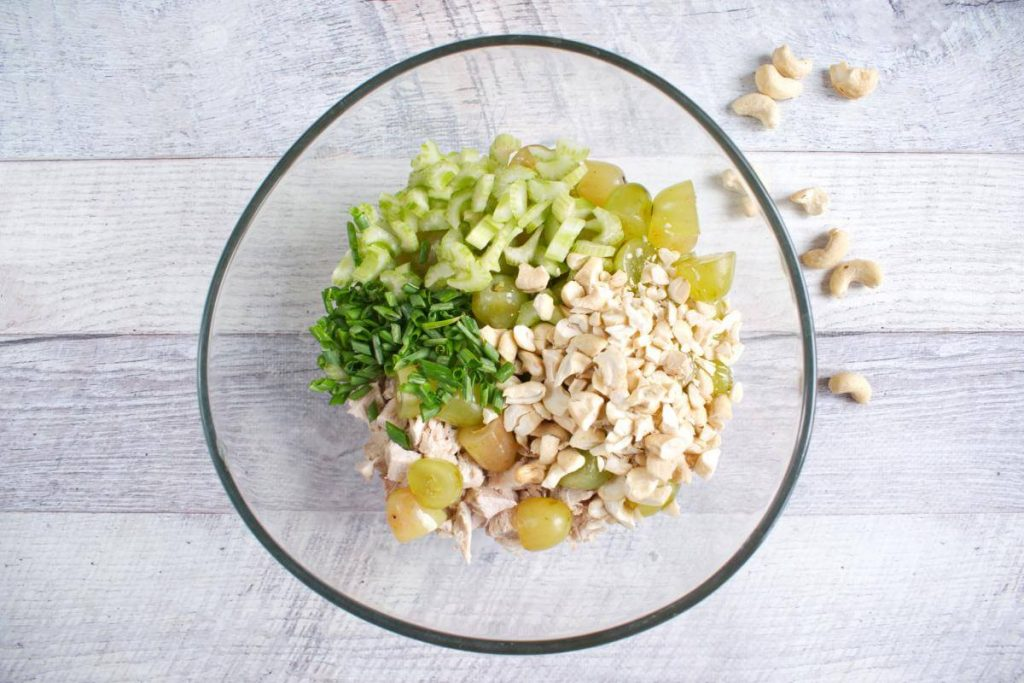 Turkey Salad with Grapes & Cashews recipe - step 2