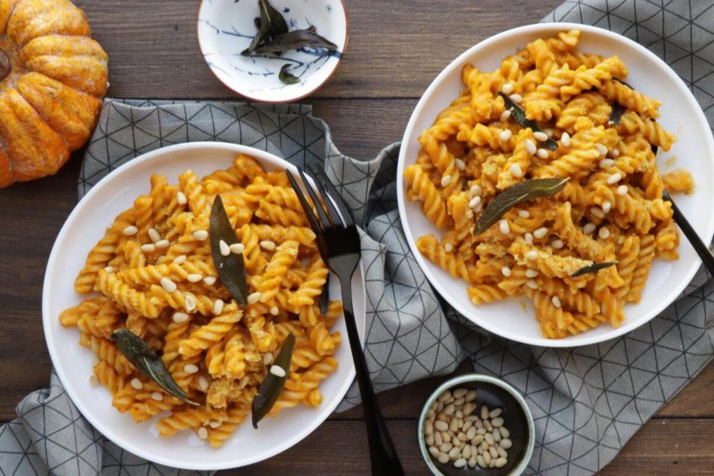 How to serve Vegan Pumpkin Mac and Cheese