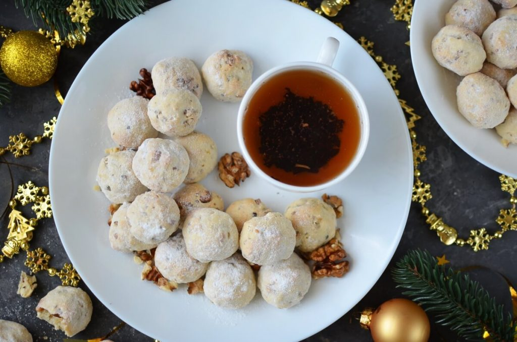 How to serve Russian Tea Cakes-Snowballs