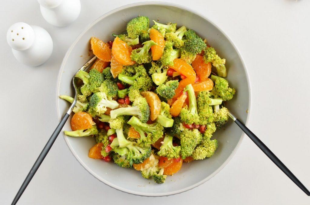 Christmas Broccoli Salad with Pomegranate recipe - step 3