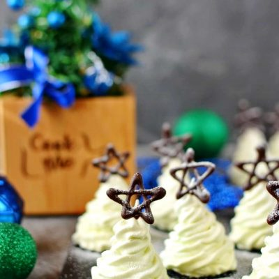 Christmas-Tree-Meringue-Cookies-Recipe-How-To-Make-Christmas-Tree-Meringue-Cookies-Delicious-Christmas-Tree-Meringue-Cookies-