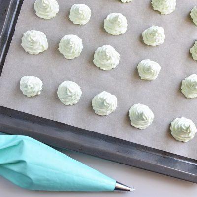 Christmas Tree Meringue Cookies recipe - step 5